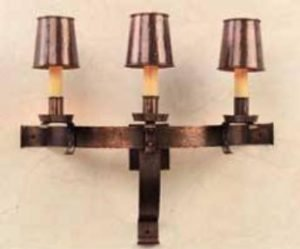 Tudor Wall Sconce: Hammerworkd Copper Tudor Wall Sconce S143
