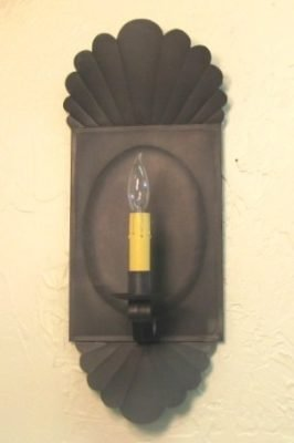 Colonial Williamsburg Wall Sconce With Antique Tin Finish: Hammerworks Wall Sconce S140