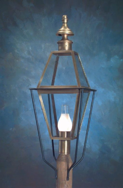 Colonial New England Style Copper Post Lantern - Large Sturbridge P101