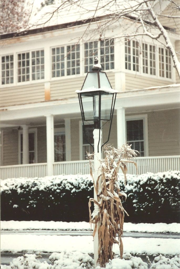 Hammerworks Colonial Style Post Lantern P111 Handcrafted In Solid Copper With Antique Finish