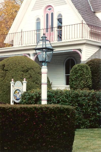Hammerworks Colonial Post Lantern Shown In Verde Copper: Model# P112