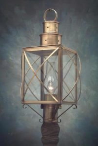 Hammerworks Colonial Reproduction Handcrafted Outdoor Copper Post Lantern PW103