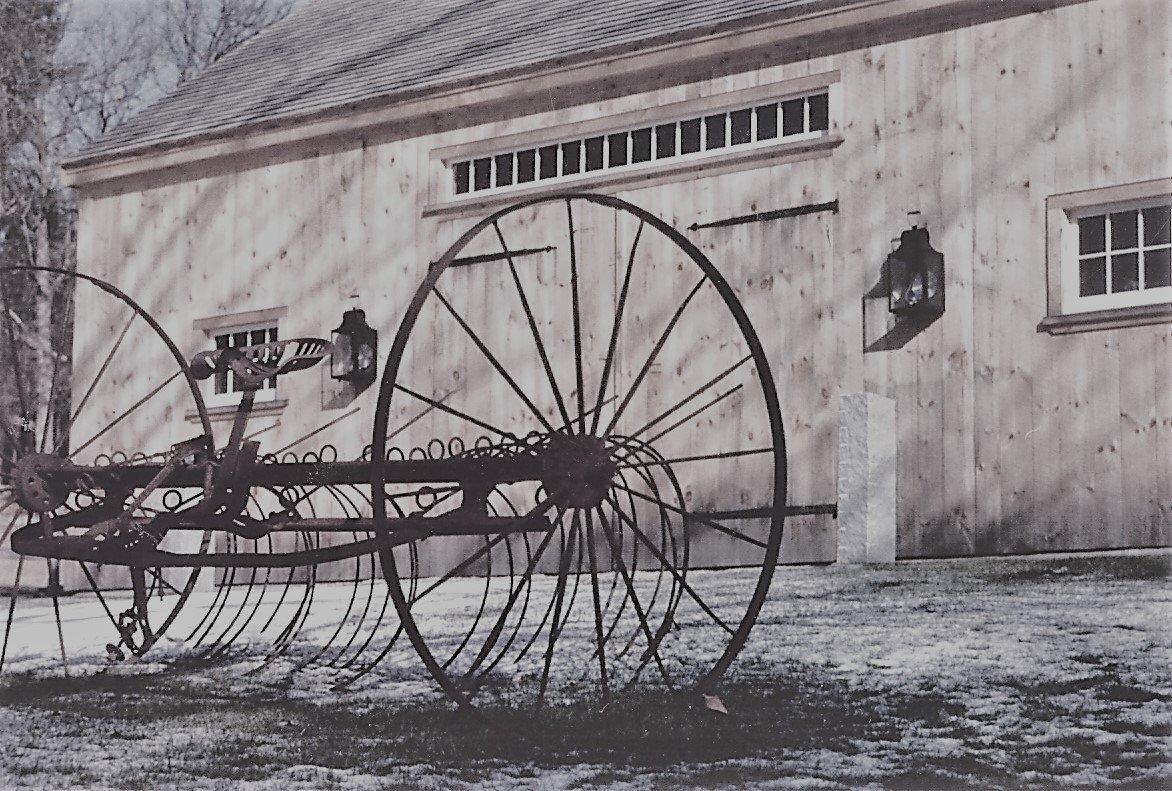 Old Fashion Style Barn Lantern W102