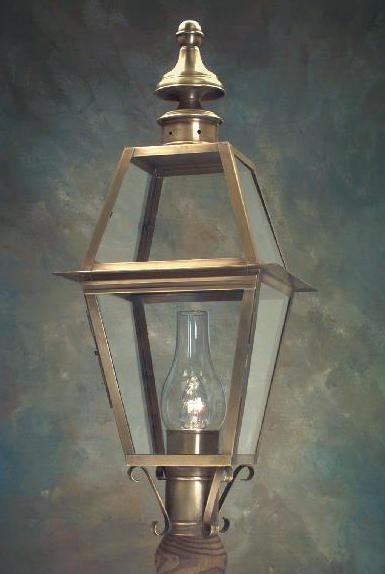 Hammerworks Colonial Post Lantern Small Sturbridge P102 Handcrafted With Solid Brass In Antique Finish