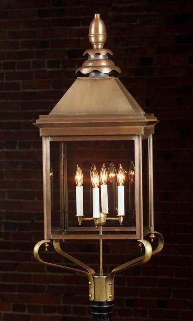 Hammerworks Old English Manor House Copper Post Lantern: Olde English Post Light 922P